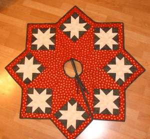 Complimentary colours of red and green create high contrast along with the white star.