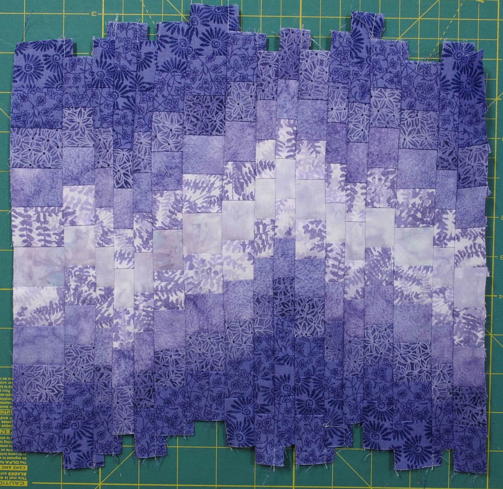 How To Make A Bargello From A Fabric Strip Run Quilts By Jen