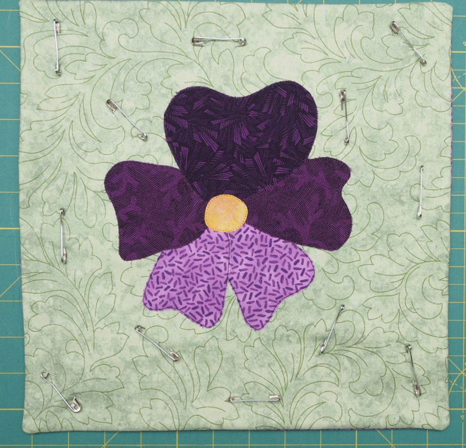 how to join to free motion quilt piece together