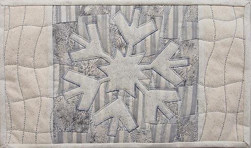 Glistening White Snowflake – Mug Rug #3