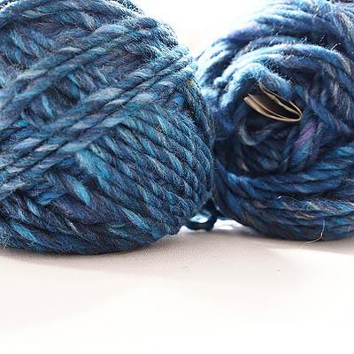 Blue Green chunky yarn