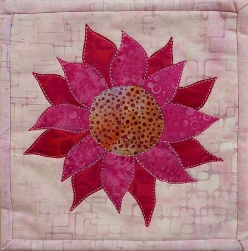 Pink Dahlia – Mug Rug #8