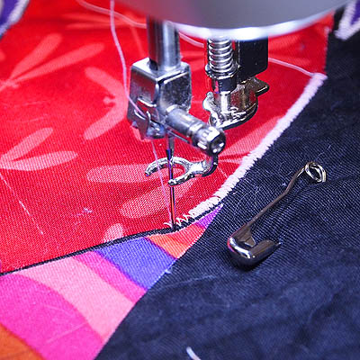 How To Free Motion Satin Stitch Quilts By Jen Mesmerizing Satin Stitch On Sewing Machine
